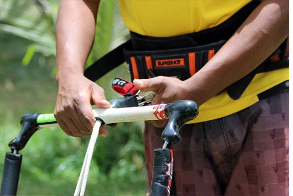 Kite Repair – Bar 03